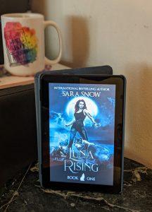 luna rising photo